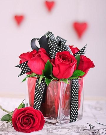Red Roses in square glass vase